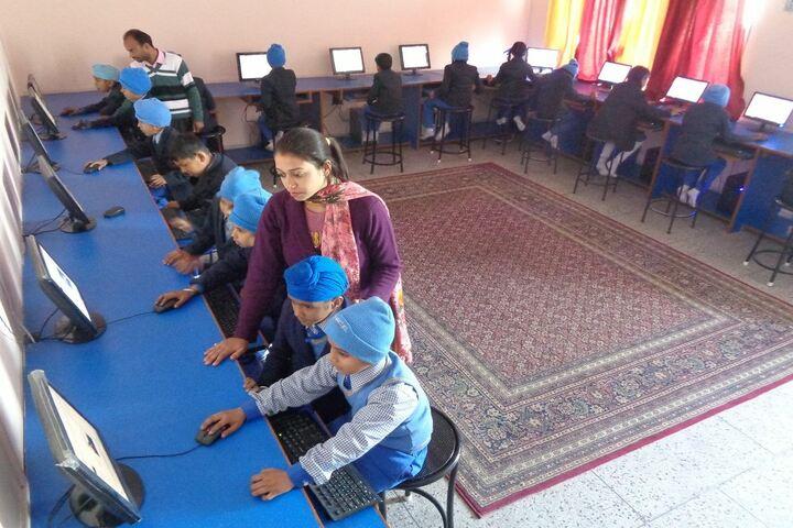 Satluj Public School-Computer Lab