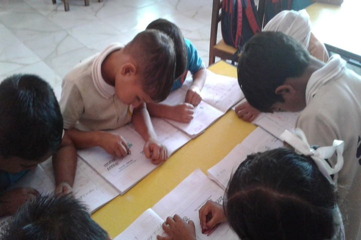 S B S Public School-Drawing Activity
