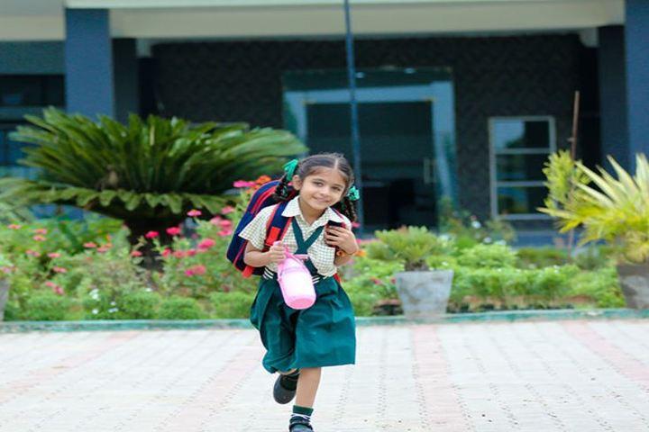 Scholars Public School-Uniform
