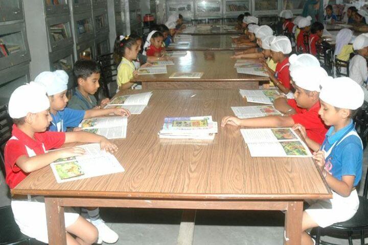 Shaheed Darshan Singh Pheruman Public School-Library