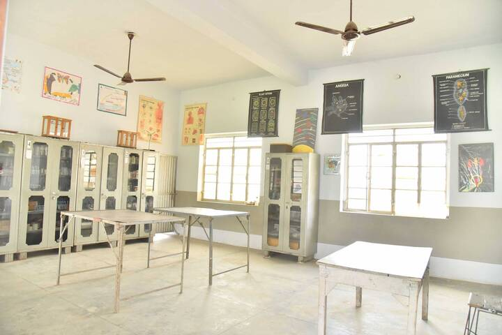 Shishu Model High School-Biology Lab