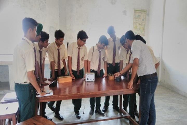 Shivalikwala Doon School-Physics Lab