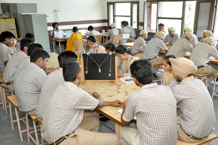 Shiwalik Public School-Physics Lab