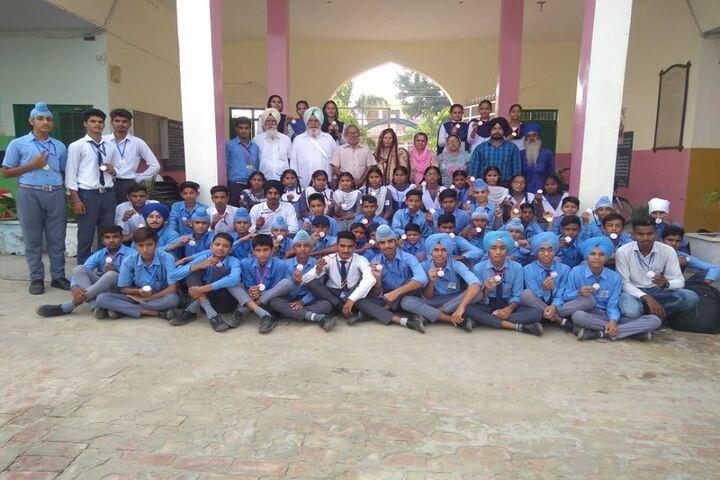 Shri Dashmesh Public Senior Secondary School-Students
