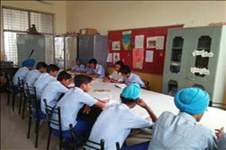 Shri Guru Harkrishan Adarsh Senior Secondary School-Library