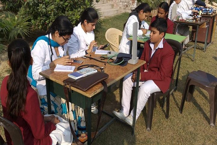 Shri Roshan Lal Jain Sarvhitkari Vidya Mandir- Health and medical check up
