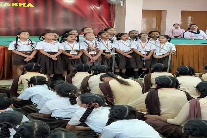 Shri Usha Mata Public School-Singing