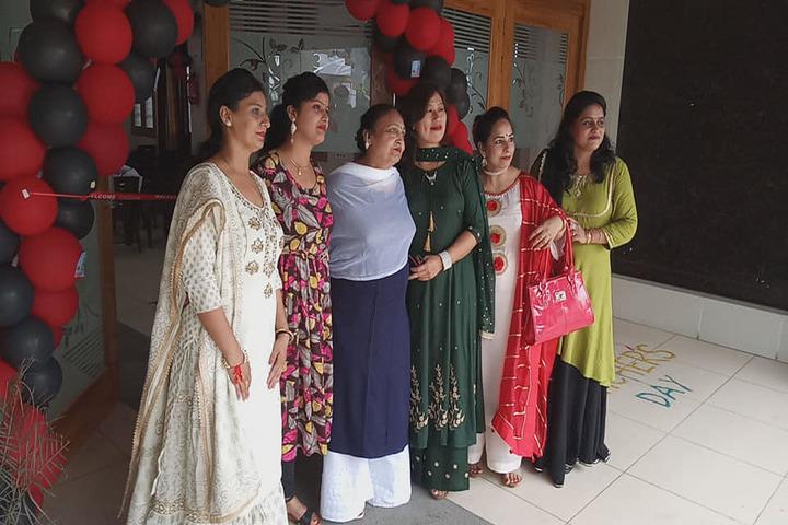 Shri Usha Mata Public School-Staff