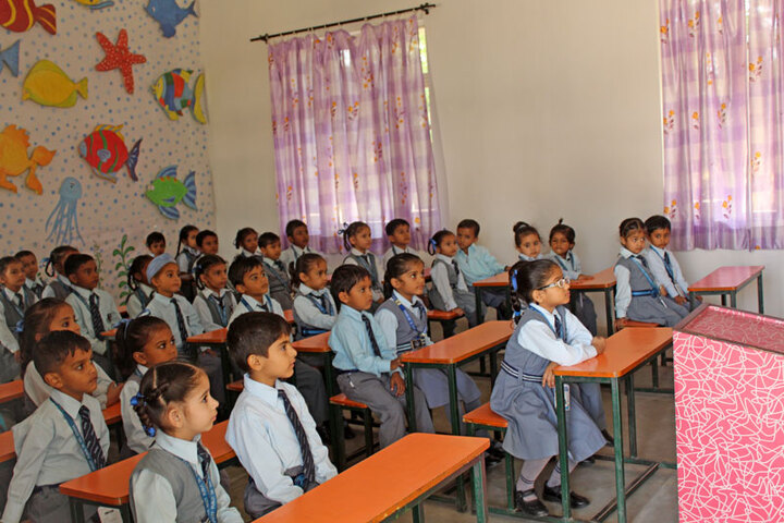 Spring Valley Public School-Classroom