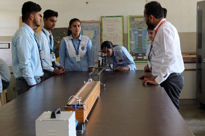 Spring Valley Public School-Physics Lab