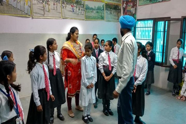 Sri Dasmesh Senior Secondary Public School-Dance Room