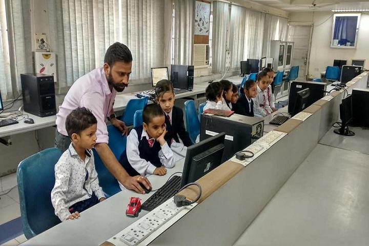 Sri Dasmesh Senior Secondary Public School-IT Lab