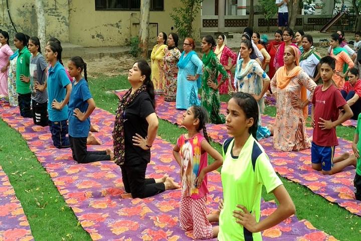 Sri Dasmesh Senior Secondary Public School-Yoga Day