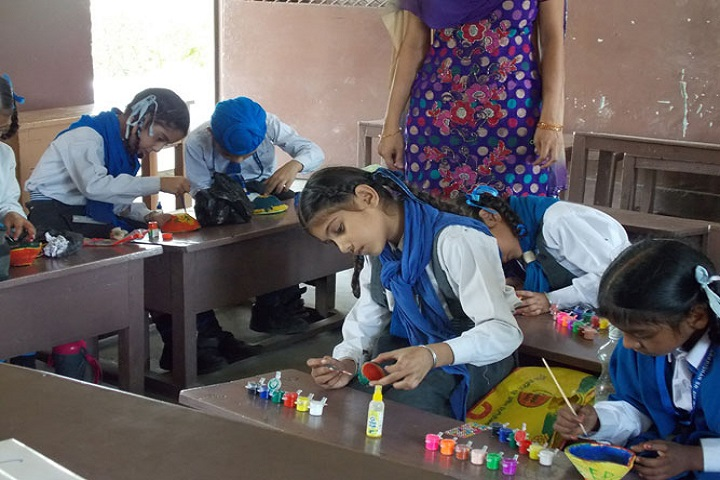 Sri Guru Hakrishan Public School-Diya Making
