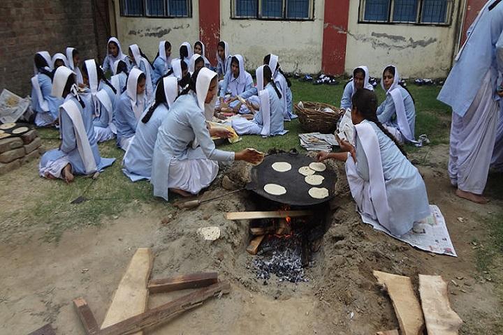 Sri Guru Hakrishan Senior Secondary Public School-Cooking