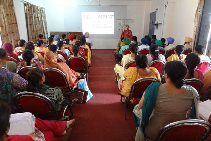 Sri Guru Hakrishan Senior Secondary Public School-Staff Meeting