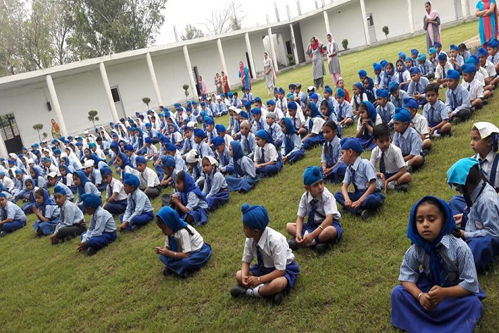 Sri Guru Harkrishan International School-Yoga Day