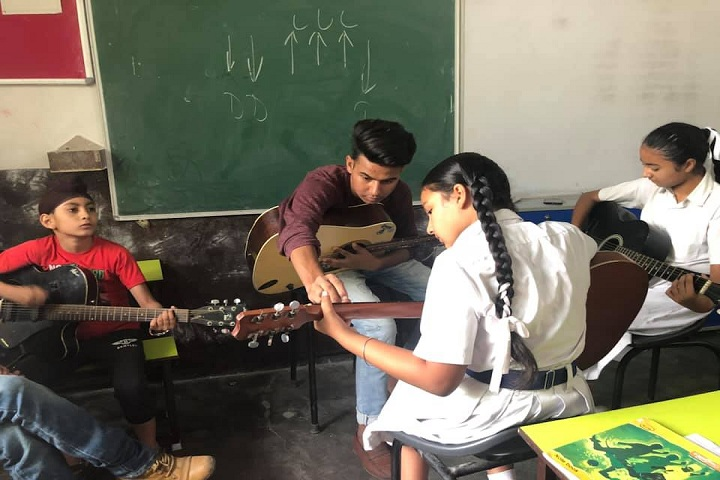 Sri Guru Harkrishan Public School-Music Class