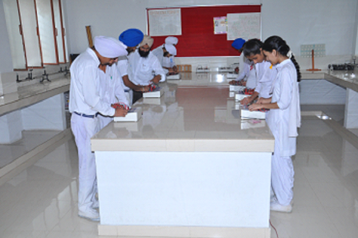 Sri Guru Harkrishan Public School-Physics-Lab