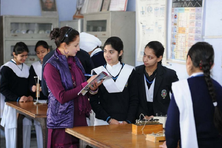 Sri Guru Harkrishan Public School-Laboratory1