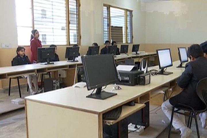 Sri Guru Teg Bahadur Public School-IT-Lab