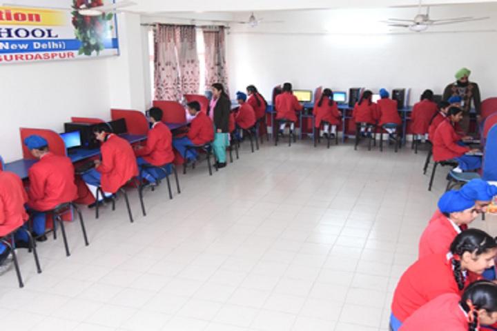 St Kabir Public School-IT-Lab full view