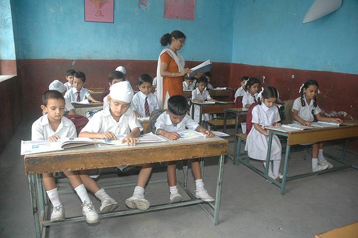 St Attri Public School-Classroom