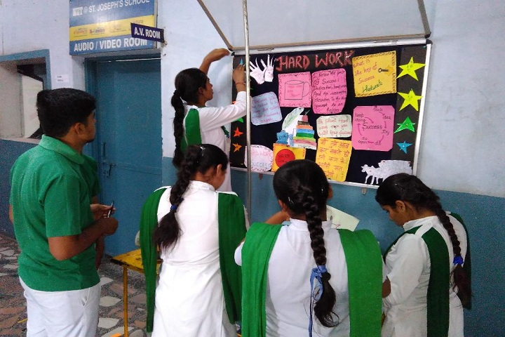 St Josephs School-NoticeBoard Activity
