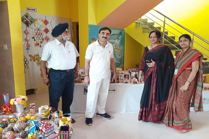 St Kabir Convent School-Art And Craft