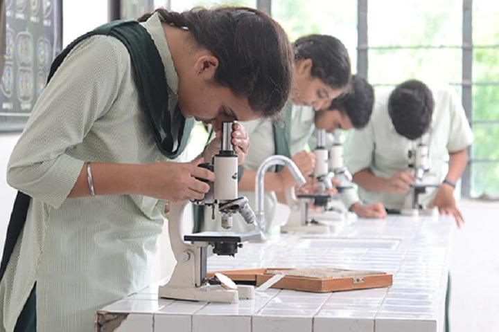 St Xaviers School-Lab