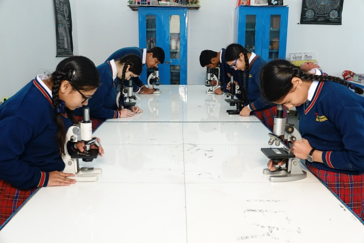 Tagores International Smart School-Biology Lab