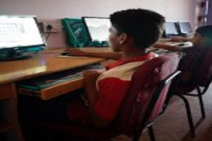 Kainat International School-IT Lab