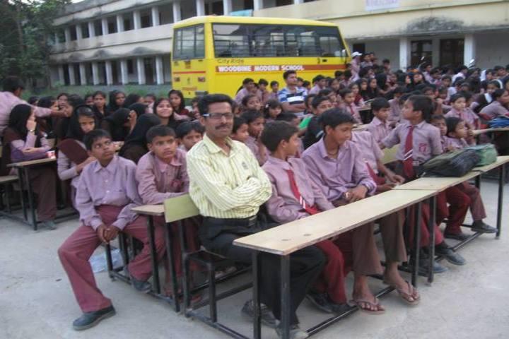 Kamran Manu Model School-Meeting