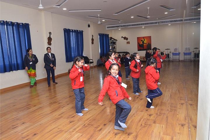 The Unirise World School-dance room