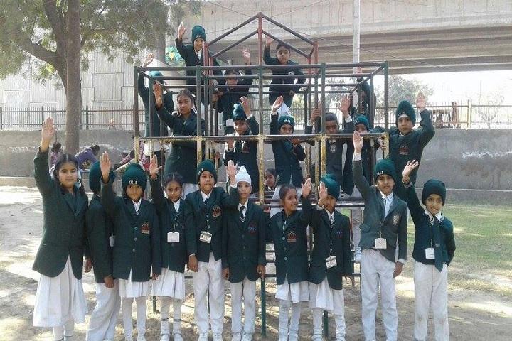 Top Ranker International School-picnic