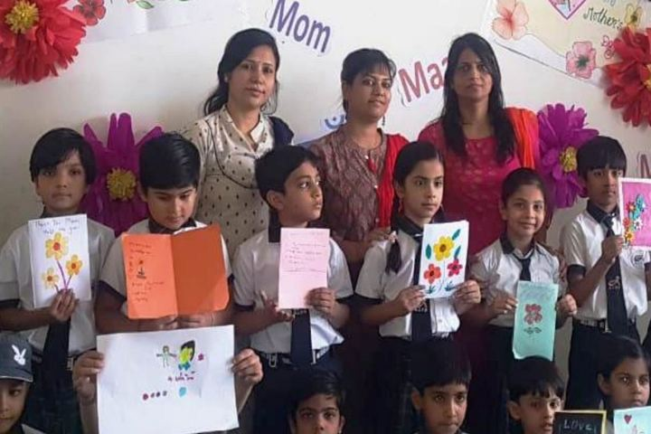 Adarsh International School-Mother's Day