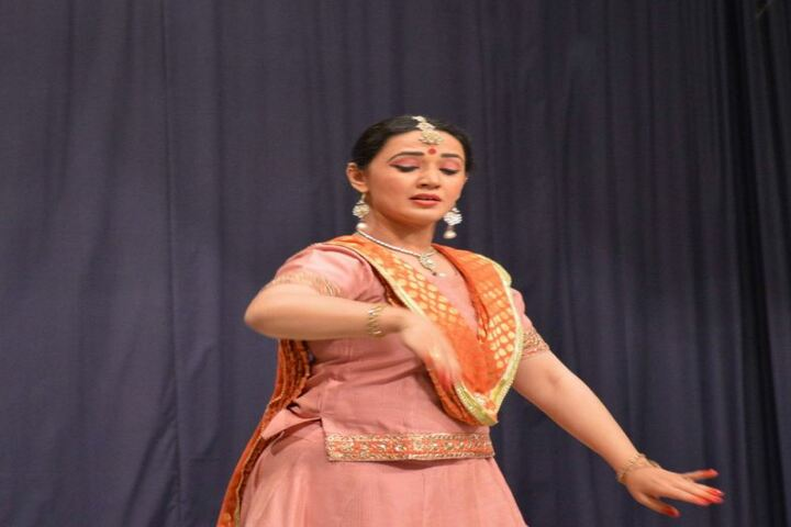 Alwar Public School-Dance