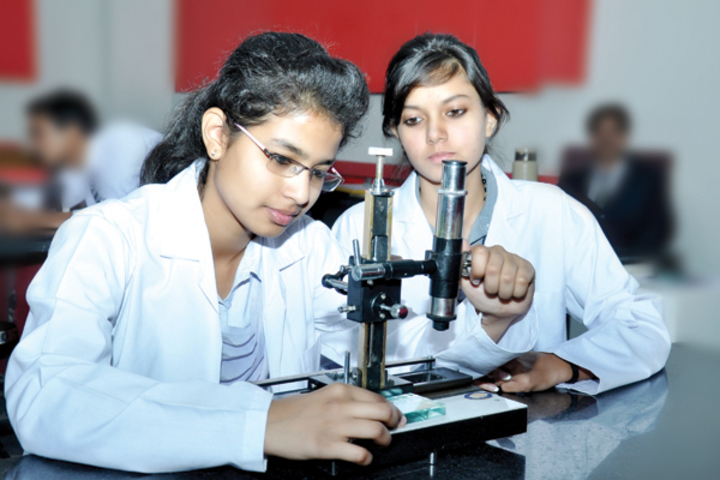 Apex International School-Physics lab