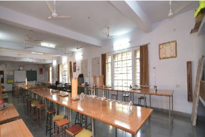 """""""Bhartiya Vidya BhavanS Vidyashram-Physics Lab"""""""