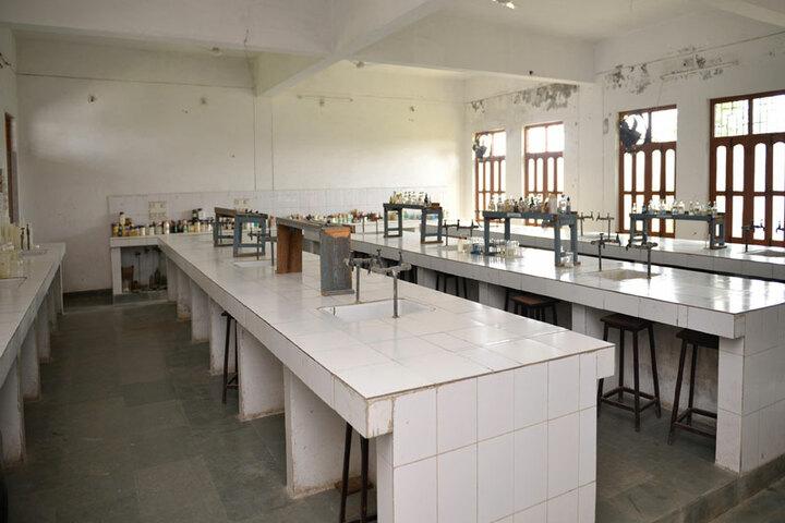 Bhopal NobleS Public School-Chemistry Lab