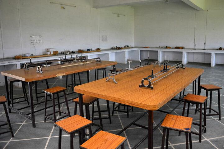 Bhopal NobleS Public School-Physics Lab