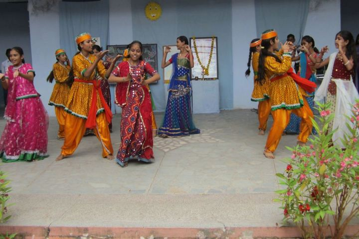 Bhuvnesh Bal Vidyalaya-Teachers Day Celebrations