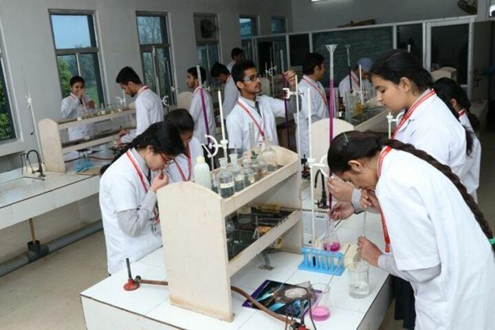 Blooming Dales International School-Chemistry Lab