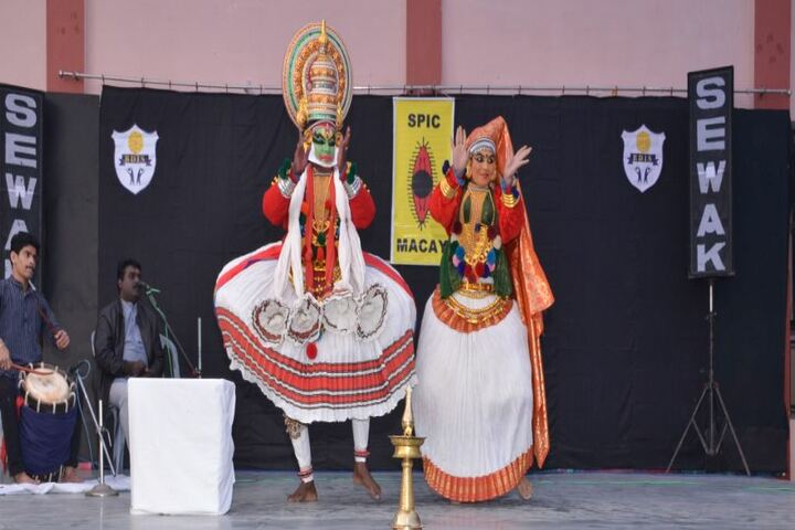 Blooming Dales International School-Dance