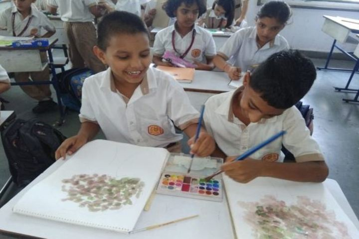 Calorx Public School-Art Class