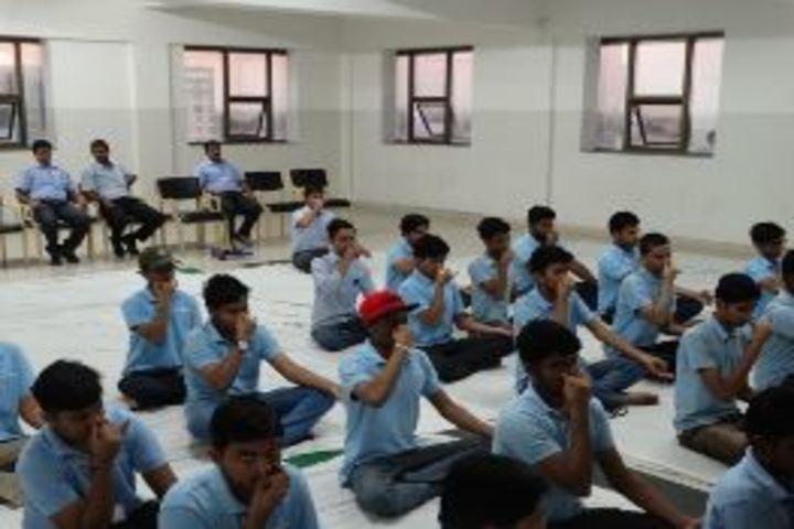 Career Point Gurukul School-Yoga