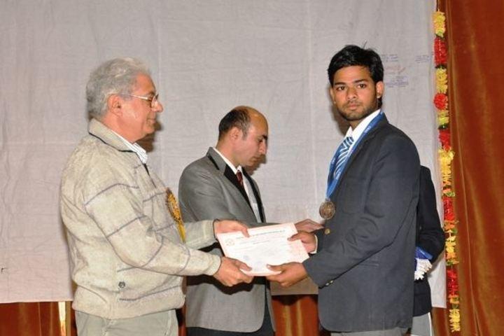 Ceeri Vidya Mandir-Prize Distribution