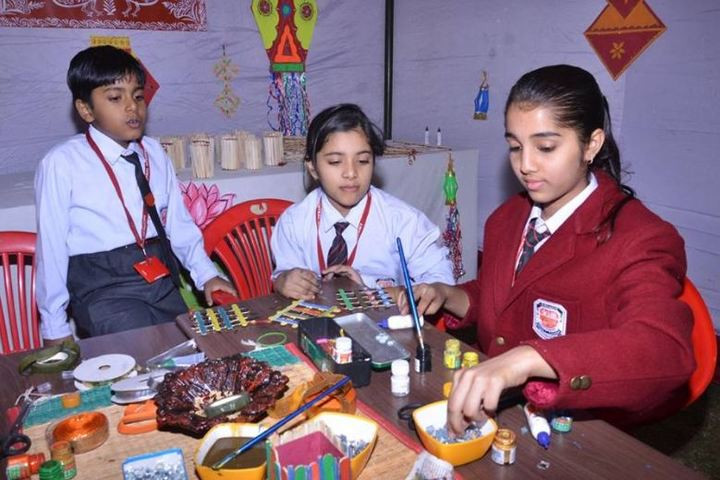 Central Academy Senior Secondary School-Art and Craft