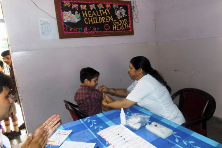 Dav Centenary Public School-Vaccination Camp