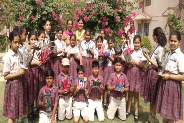 DAV Centenary Public School-Paper Crafting
